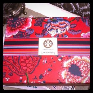"NWT Tory Burch ""Love Relentlessly"" Gift Set"